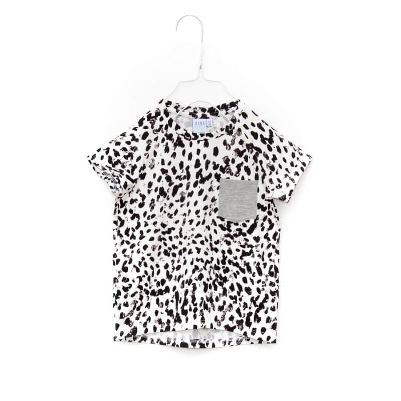 Pepe&Nika PepeandNika Kids Fashion Little Apparel Kindermode Little Man Happy Berlin T-Shirt black white with pocket bio organic black&white T-Shirt schwarz weiss summery sommerlichJUNGLE MAZE BW Pocket Shirt - black and white with grey pocket. made of organic cotton.