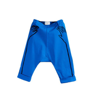 Pepe&Nika PepeandNika Wolf&Rita Little Apparel Kindermode Baggy Shorts Blue Hands Castelbajac Paris casual blue Print vernal frühlingshaft sommerlich summery Jungen boys extravagant funky cool Alvaro Blue Hands