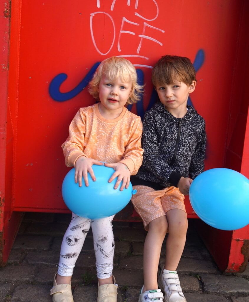 pepe and nika urban kids ateljee summeroutfits red container