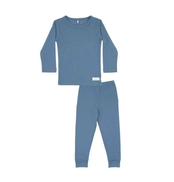 Pepe&Nika PepeandNika Little Apparel Kindermode SNORK Copenhagen Denmark Dänemark Pyjamas dusty blue boys unisex Schlafanzug blau basics casual organic bio vernal frühlingshaft herbstlich autumnal winterly winterlich
